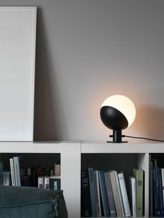 Baluna Table / Wall hier als Tischleuchte Opalglas #lamp #leuchte Berlin Design, Designer, Ceiling Lights, Lighting, Wall, Home Decor, Style, Hand Blown Glass, Lights