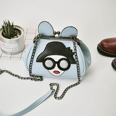 Big ears cartoon face clutch – Hand Pick Style