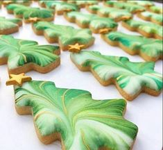1 + Irresistible Christmas Desserts to Serve This Holiday Dazzle your holiday table (and guests!) with these easy-to-make cookies . Christmas Tree Cookies, Iced Cookies, Christmas Sweets, Christmas Cooking, Noel Christmas, Fancy Cookies, Cookie Desserts, Christmas Goodies, Holiday Cookies