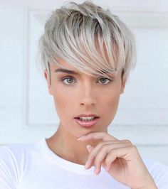 Messy Blonde Balayage Bob - 55 Different Versions of Curly Bob Hairstyle - The Trending Hairstyle Modern Bob Hairstyles, Popular Short Hairstyles, Short Pixie Haircuts, Curly Bob Hairstyles, Trending Hairstyles, Short Hair Cuts, Short Hair Styles, Bob Short, Beautiful Hairstyles