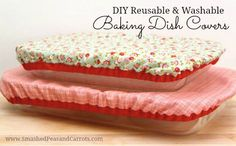Tutorial: Reusable fabric baking dish cover Don't let the flies get in your picnic or potluck food! Maggie at Smashed Peas and Carrots shares a tutorial at Riley Blake Designs showing how you can sew Easy Sewing Projects, Sewing Projects For Beginners, Sewing Hacks, Sewing Tutorials, Sewing Crafts, Sewing Patterns, Sewing Basics, Bag Patterns, Sewing Tips