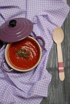 Suppe aus gerösteter Paprika mit Orange, Ingwer und Zitronengras