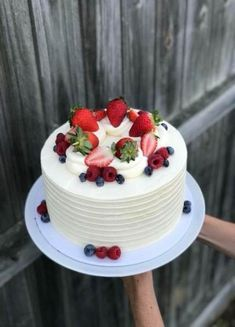 New Free of Charge fruit cake design Strategies - yummy cake recipes Adult Birthday Cakes, Birthday Cakes For Women, Cake Birthday, Fruit Birthday, Gateau Aux Oreos, Food Cakes, Cupcake Cakes, Just Desserts, Delicious Desserts