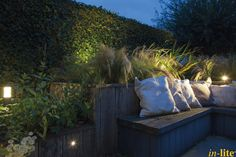 Levend Groen | Border | Tuinen van Appeltern | Staande lamp LIV LOW DARK | Buitenspot MINI SCOPE | Spot HYVE 22 in border