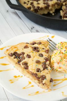 Deep-Dish Skillet Chocolate Chip Cookie | Garnished with ice cream, caramel, and sprinkles | galonamission.com