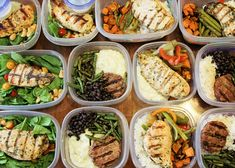 Meal Prep for the week! Healthy meals to save time and money: Lemon-Lime Cilantro Chicken on a spinach salad. Italian Turkey Burgers over rice with black beans and orange and soy glazed green beans. Healthy Recipes, Healthy Meal Prep, Clean Eating Recipes, Healthy Snacks, Healthy Eating, Cooking Recipes, Sport Food, Eat Better, Meal Prep For The Week