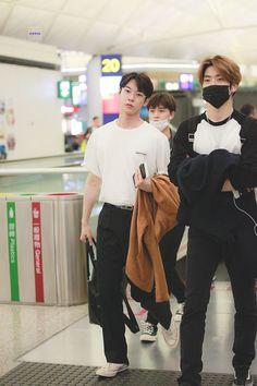 Nct 127, Nct Doyoung, Nct Taeyong, Jaehyun Nct, K Idols, Nct Dream, Airport Style, Winwin, Boyfriend Material