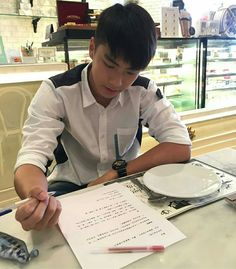 What a bf material Book And Frame, Male Models Poses, Ideal Boyfriend, Love Film, Thai Tea, Asian Actors, Boyfriend Material, Thailand, Wattpad