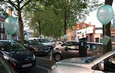 L'image contient peut-être: arbre, voiture et plein air