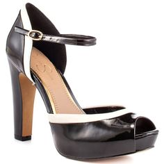Jessica Simpson  Jorah  Black Patent Heels