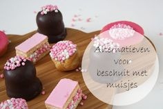 Creatieve voorbeelden van alternatieven voor beschuit met muisjes. Ben jij die ouderwetse beschuit ook zo zat? Dan is dit echt iets voor jou! Baby Album, Baby Food Recipes, Baby Shower, Sweets, Dinner, Desserts, Recipes For Baby Food, Babyshower, Dining