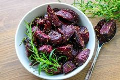 Lohkoperunat uunissa - Ruoka & Koti Koti, Food And Drink, Meat, Vegetables, Vegetable Recipes, Veggies