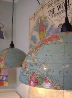 Een geweldig leuk idee. Een wereldbol gebruikt als lampenkap!