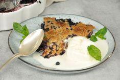 Bästa blåbärspajen jag någonsin har gjort och en succé precis varje gång. Den är krispig, seg, smakar av kola och har massa blåbär.