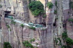 Yungas Road, Le Tunnel, Desert Environment, Dangerous Roads, Les Continents, Le Village, Canyon Road, Alaska, Awesome