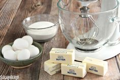 How to Make Swiss Meringue Buttercream - recipe and photo tutorial | From SugarHero.com