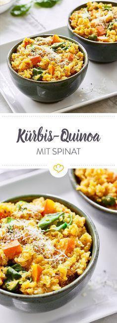 Hokkaido-Kürbis trifft auf auf nussigen Quinoa. Verfeinert mit Parmesan und Spinat kreierst du ein gesundes Wohlfühlessen, das schnell zubereitet ist.