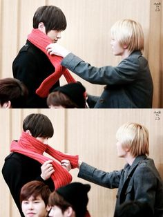How myungsoo looked at sungjong was too cute... and sungjong was like omma and her son.