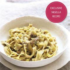 Nigella Lawson's Fettuccine with mushrooms, marsala & mascarpone recipe Fall Recipes, Great Recipes, Favorite Recipes, Yummy Recipes, Mascarpone Recipes, Spaghetti, Midweek Meals, Nigella Lawson, Italian Recipes