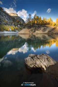 Autumnal mirror by Simone Panzeri (Italy)