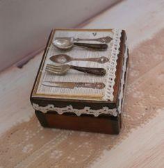 Caja antigua rústica cubertería. ♡ ♡