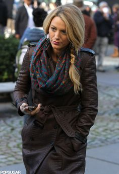 Blake Lively Filming Gossip Girl on Set #streetstyle #streetfashion