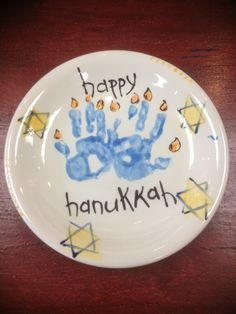 Our Jolly Life: Hanukkah 2012: Kids activities, Doing this plate this year for sure! Will have to YouTube a tutorial