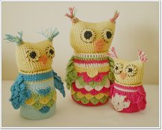 Owls with jars - cool but I can't speak/read Spanish, or crochet....
