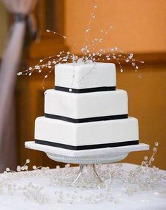 Crystal Ice - Pictures of Winter Wedding Cakes [Slideshow]