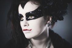 9 last-minute Halloween makeup and hair ideas via @AOLLifestyle Read more: http://www.aol.com/article/2015/10/21/9-last-minute-halloween-makeup-and-hair-ideas/20983611/?a_dgi=aolshare_pinterest#slide=3049782|fullscreen