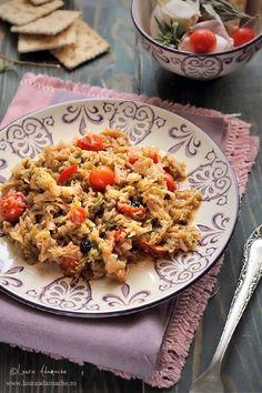 Mancare de Varza Dulce Retete de Post Veg Dinner Recipes, Veg Recipes, Light Recipes, Vegetarian Recipes, Vegan Foods, I Foods, Romanian Food, Romanian Recipes, Tasty