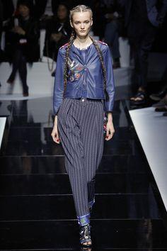 Emporio Armani Spring 2017 Ready-to-Wear Collection Photos - Vogue  CUFF