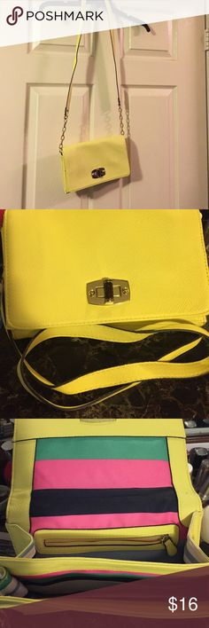 Crossbody 👛 Yellow like ☀️ and colorful on the inside only carried like once Bags Crossbody Bags