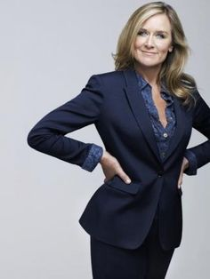 Work outfit : Burberry CEO Angela Ahrendts