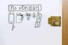Objetos locos: vinilos para el hogar  ¿Y qué te parece esta propuesta a modo de recordatorio? ¡Una buena manera de tunear tu puerta, también! Foto:www.gorsh.net