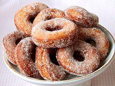 Tove Nilssons munkar | Recept.nu Cookie Recipes, Dessert Recipes, Cronut, Healthy Recepies, Bun Recipe, Candy Cookies, Baked Donuts, Doughnuts, Fika
