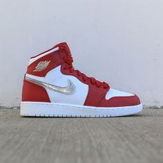 e5dddaff6f8 Jordan Big Kids Air Jordan 1 Retro High (GS) (gym red   metallic