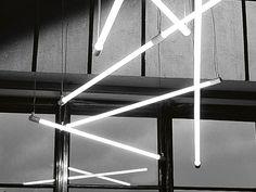 Fluorescent pendant lamp SHANGHAI by Martinelli Luce design Angelo Micheli, Studio Lucchi Neon Lighting, Interior Lighting, Lighting Design, Luminaire Design, Lamp Design, Design Design, Modern Design, Shanghai, Fluorescent Lamp