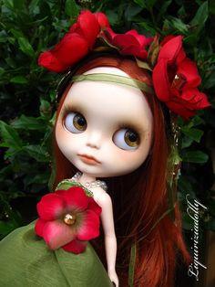 Red hair & hazel eyes.