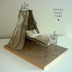 this gives me an idea for my fairy bed,,,hmmm Tiny Furniture, Miniature Furniture, Dollhouse Furniture, Art Fil, Doll Beds, Mini Things, Wire Crafts, Miniture Things, Wire Art