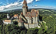 Bydlení jako v pohádce s výhledem na romantický hrad Bouzov s magickým kouzlem, včetně výtečné polopenze ve stejnojmenném 3* hotelu v nádherné Litovelské krajině a spoustou zajímavostí v okolí. Děti do 6 let, WiFi a parkování zdarma. / Bouzov
