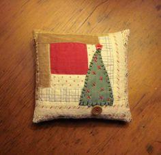 Primitive Rustic Tiny Folk Art Christmas Pine Tree Pillow from Old Quilt Block | eBay