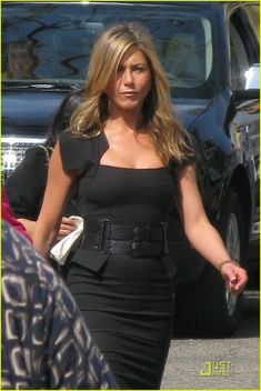Jennifer Aniston's black dress in Just Go With It