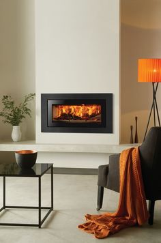 Studio Steel XS Inset Wood Burning Fires – Stovax built-in fires Similar to the existing Stovax Studio Steel inset wood burning fire, the Studio Steel XS has slimmer proportions and offer a very different look, complemen Contemporary Fireplace, Home Fireplace, House Interior, Wood Burner Fireplace, Wood Burning Fireplace Inserts, Fireplace Built Ins, Fireplace Hearth, Living Room Designs