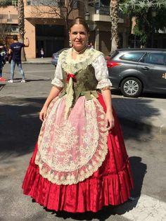 43 2018 Huertana Mejores Imágenes De En Las Trajes OwPN8nkX0Z