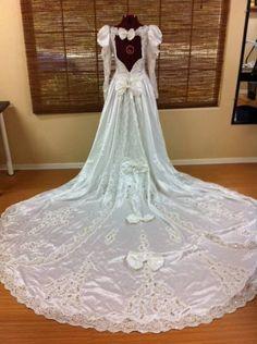 Beautiful Vintage Wedding Gown    sunsdress.com  #sunsdress  newcelebritydresses.com   #newcelebritydresses