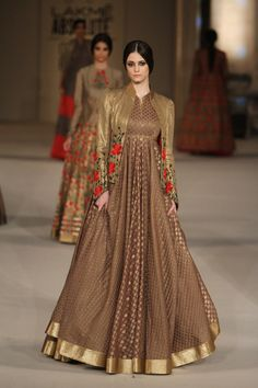 Is brown gold picking up this summer? We totally hope so it does. Gorgeous anarkali gown by Rohit Bal #LFW #LIFW2016 #summerfashion #RohitBal #Frugal2Fab