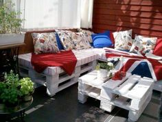 Balcony Lounge Beautiful Outdoor Balcony Lounge Outdoor balcony lounge made from repurposed pallets.Beautiful Outdoor Balcony Lounge Outdoor balcony lounge made from repurposed pallets. Pallet Cushions, Pallet Lounge, Diy Pallet Sofa, Pallet Sectional, Sectional Sofa, Pallet Room, Outdoor Balcony, Outdoor Couch, Outdoor Decor