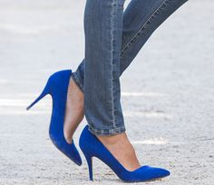 DENIZEN Essential Stretch Modern Skinny Jeans + blue heels <3
