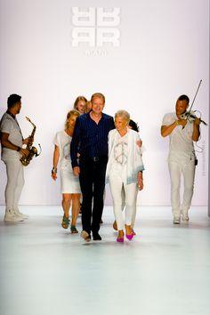 """Ulrich Schulte - RIANI Fashionshow """"Jet Set Girls"""" - Mercedes Benz Fashionweek 2015 - Frühjahr/Sommer 2016 Kollektion - Brandenburger Tor - Fashionblogger - Vanessa Pur - Chefdesign Ulrich Schulte"""